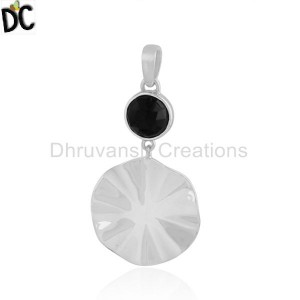 Black Onyx Gemstone 925 Sterling Silver Wavy Disc Pendant Jewelry